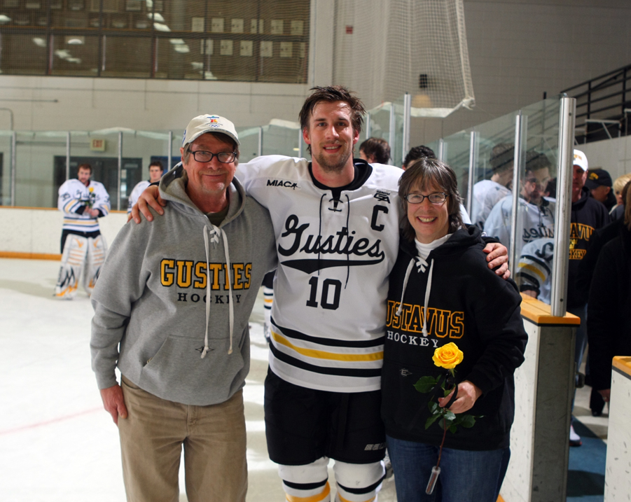 Ross Ring-Jarvi with his parents Roland and Sue on Parents Day against Concordia earlier this seaosn.  Ring-Jari, the lone senior on the team, will be honored on Saturday as a part of Senior Day.