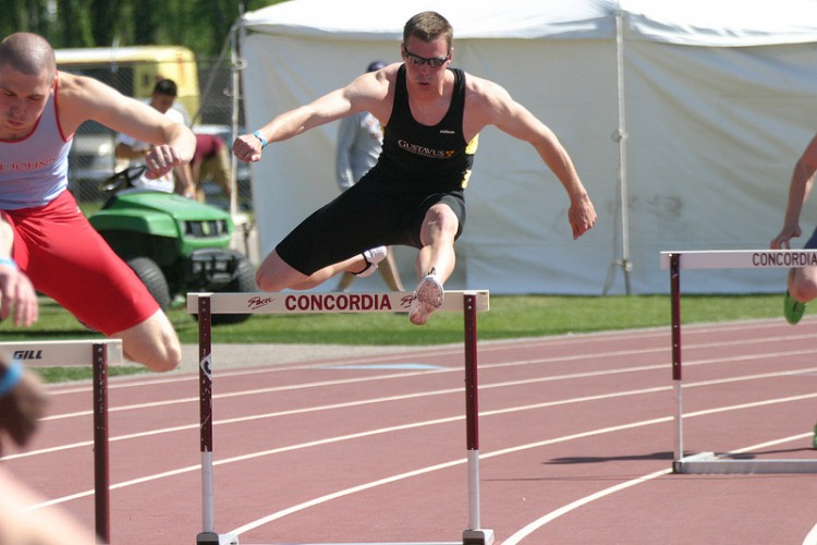 Hurdle specialist Steve Groskreutz will placed eighth in the prelims of the 400-meter hurdles of the NCAA Championships on Thursday, earning a spot in Saturday's finals.