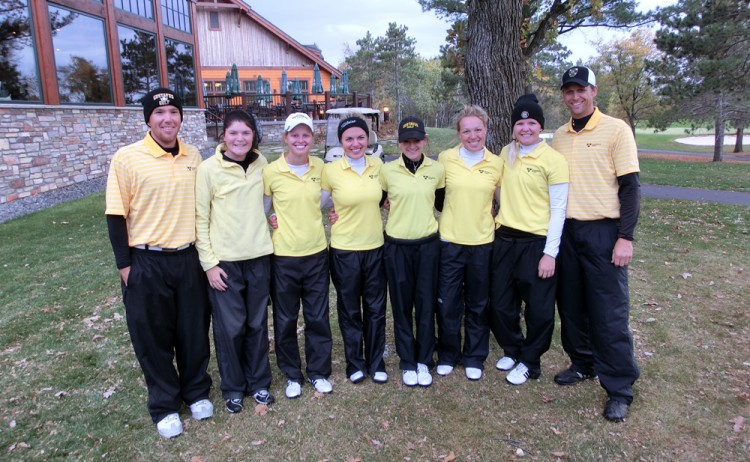 The Gustavus women's golf team recorded a place on the podium for the 17th consecutive year with a third place finish at the 2012 MIAC Championships.