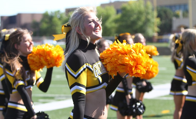 Football Welcomes Cross-State Foe Valley City State For Homecominggustavus city
