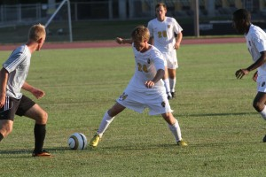 Nick Kieser works to get around a V-Hawk defender.