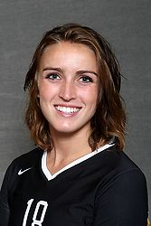Sophomore Kelle Nett led Gustavus with a combined 19 kills on the opening day of the Ground Round Sugar Loaf Classic.