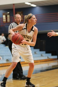 Britta Rinke finished next in line with 17 points after oing 7-for-14 from the field.