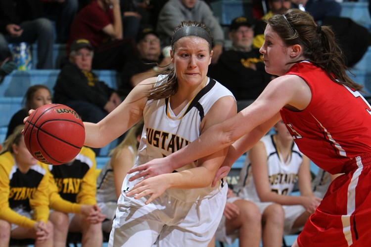 Julia Dysthe led the offense with 18 points in Gustavus's season-opening win over UW-River Falls. Photo courtesy of A.J. Dahm - Sport PiX.