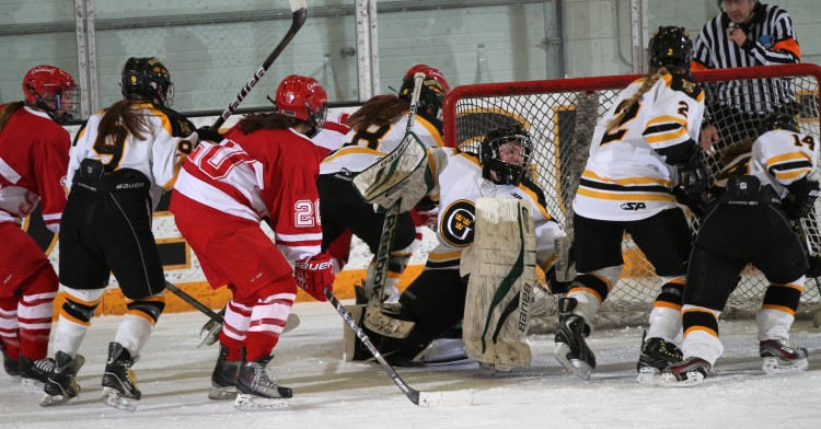 Goaltender Amanda Koep recorded a shut out win in her first start as a Gustie. (Photo courtesy of Andrew Vold '14)