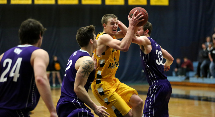 Brody Ziegler led Gustavus with 18 points and eight rebounds in Wednesday night's loss. (Photo courtesy of Roisen Granlund '17)