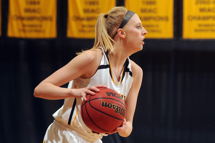 Britta Rinke scored 23 points on Senior Day in Gustavus's overtime loss to Saint Mary's.