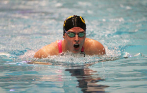 Jenny Strom competes in the 400 IM.