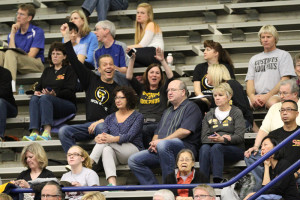 The Gustavus faithful arrive at the IUPUI Natatorium.
