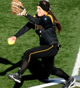Jessica Williams was solid in the circle on Friday (Photo courtesy of Jim Cella - Concordia Sports Information)