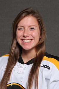 Diana Draayer had a goal and three assists in the Gusties' 7-2 over St. Olaf.