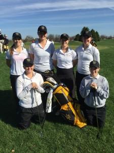 The Gustavus women's golf team at this weekend's Illinois Wesleyan Invite.