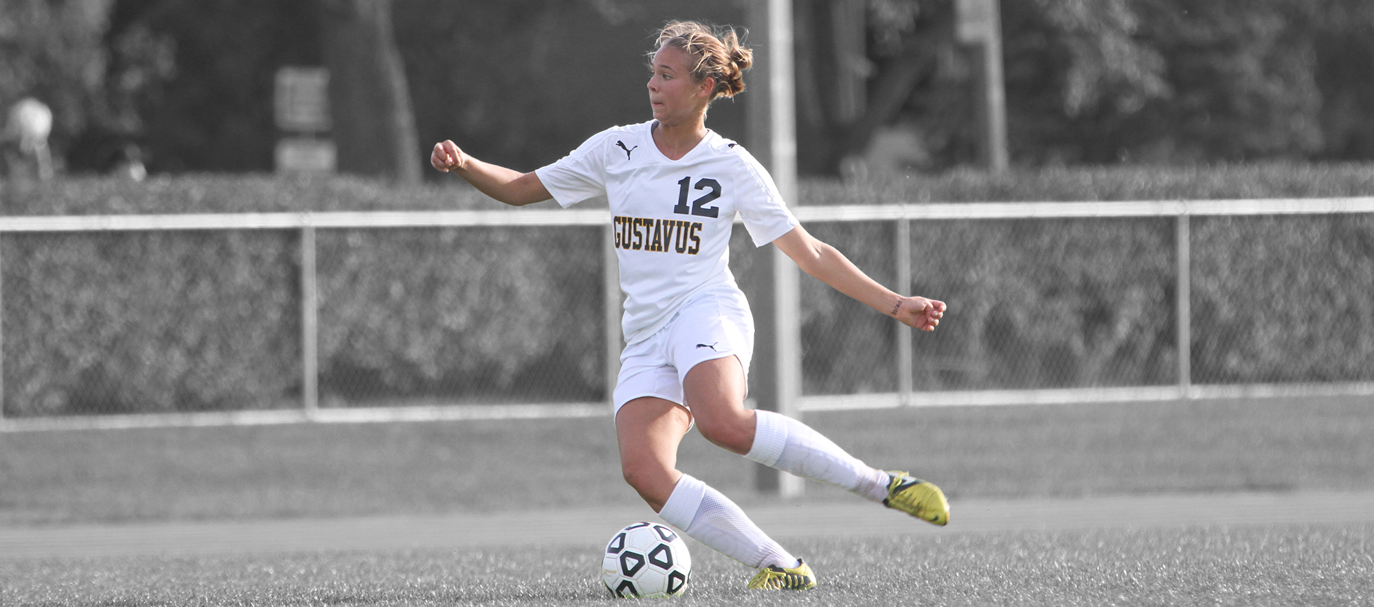womens non conference soccer action - HD2000×884