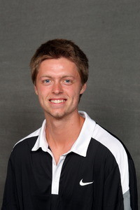 Senior Mitch Elofson won both his singles and doubles matches in Thursday's match vs. No. 12 Trinity.